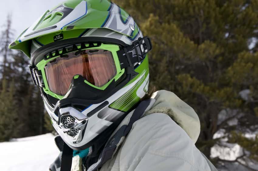 Очки для снегохода: зачем нужны, каковы их особенности и как сделать правильный выбор