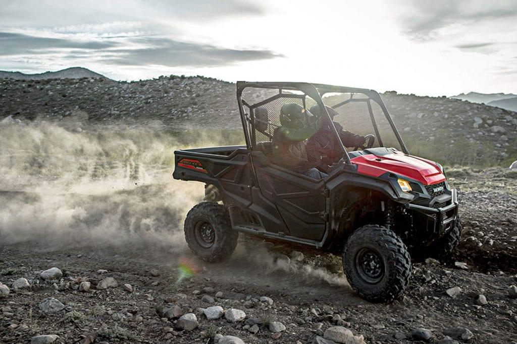 Проверка лучшего «литрового» квадроцикла Honda Pioneer