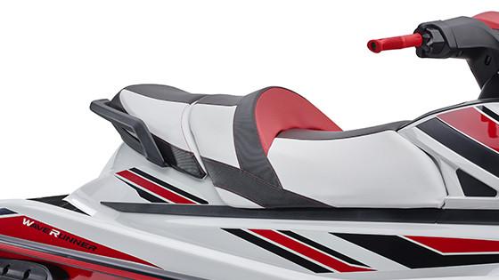 Yamaha VXR — доступный и мощный гидроцикл от Ямаха